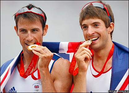 Synchronised medal-eating