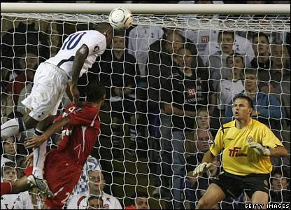 Darren Bent scores Spurs' winner