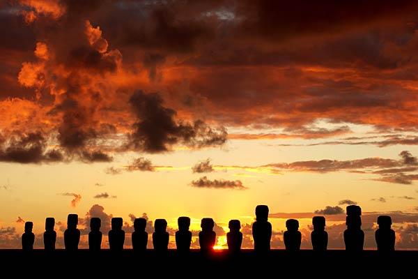 A row of Moai