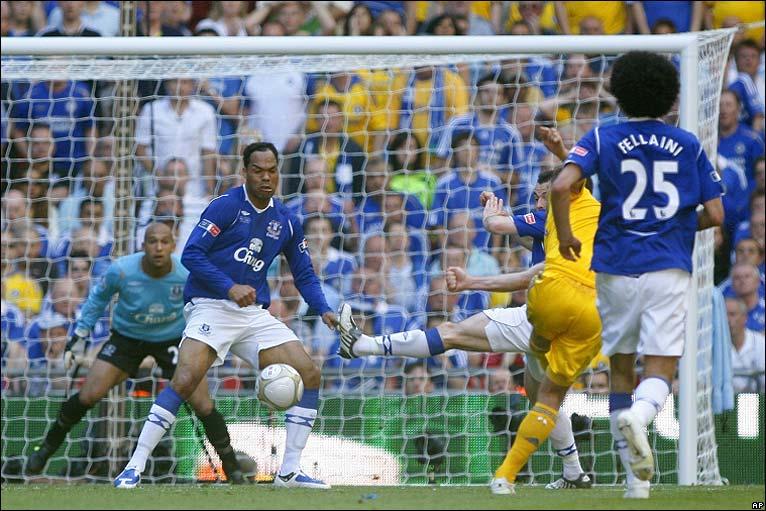 Frank Lampard scores the winner