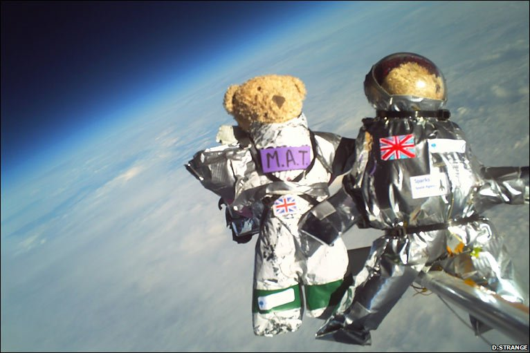 No worries about the vaccuum for these astrobears