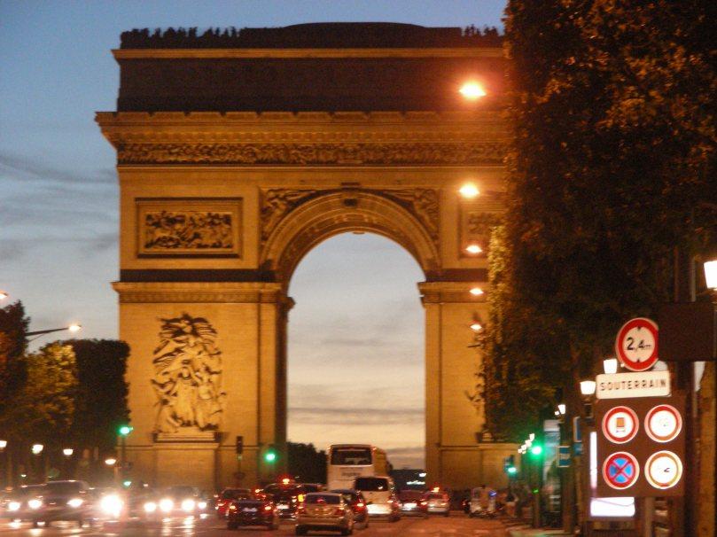 Arc de Triomphe by night 2