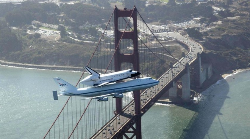 Space shuttle and Golden Gate
