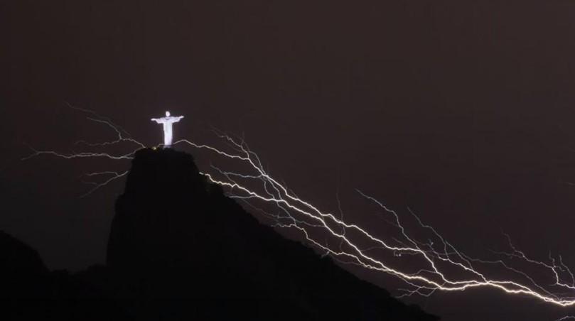 Rio lightning